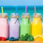 Cómo hacer batidos saludables y nutritivos ( y una receta fácil y rica)