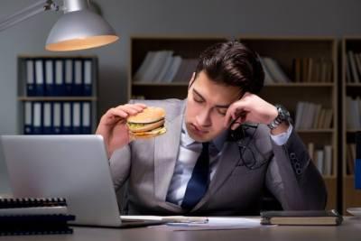 El estrés y los hábitos alimentarios