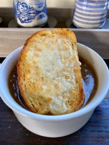 Sopa de Cebolla Francesa Vegetariana