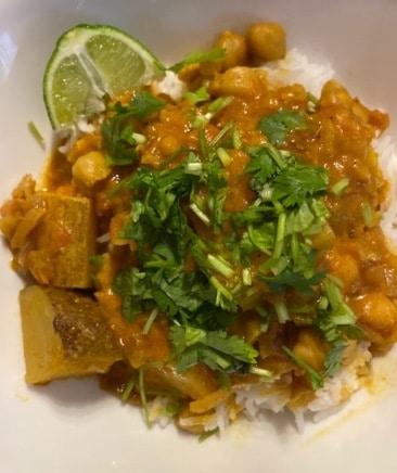 Curry de garbanzos y papas