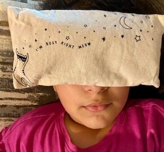 Almohada para los ojos llena de hiernas secas de la caja de subscripción Therabox