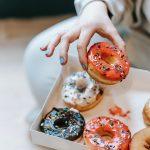 Cómo dejar de comer por aburrimiento: 4 estrategias prácticas